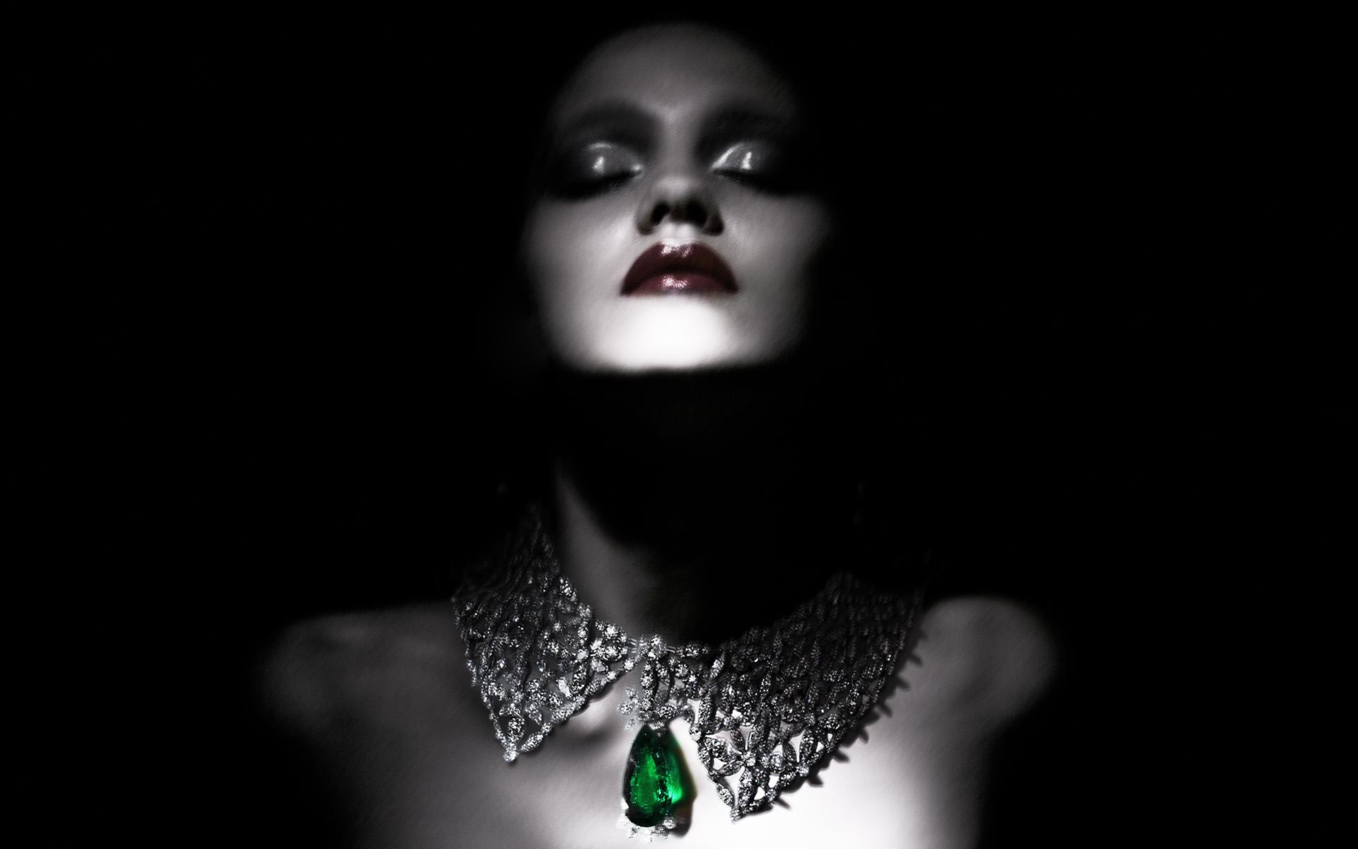 Lady with a Chopard necklace.