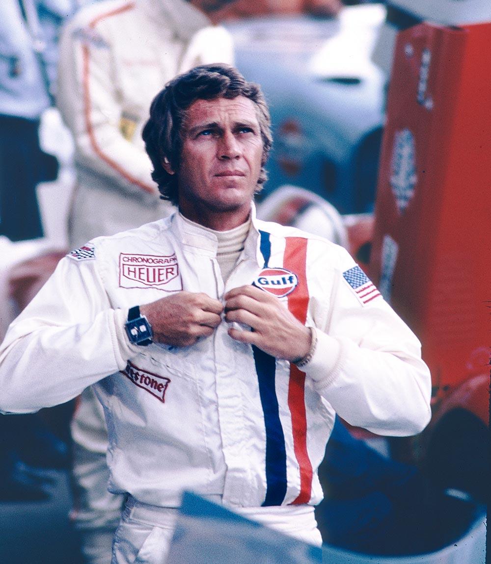 Steve McQueen portant un Tag Heuer au LeMans 1971.