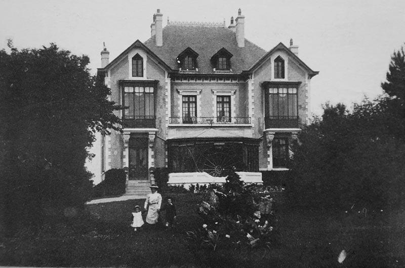 HISTOIRES – La Villa Les Rhumbs – Photo archives © Musée Christian Dior.
