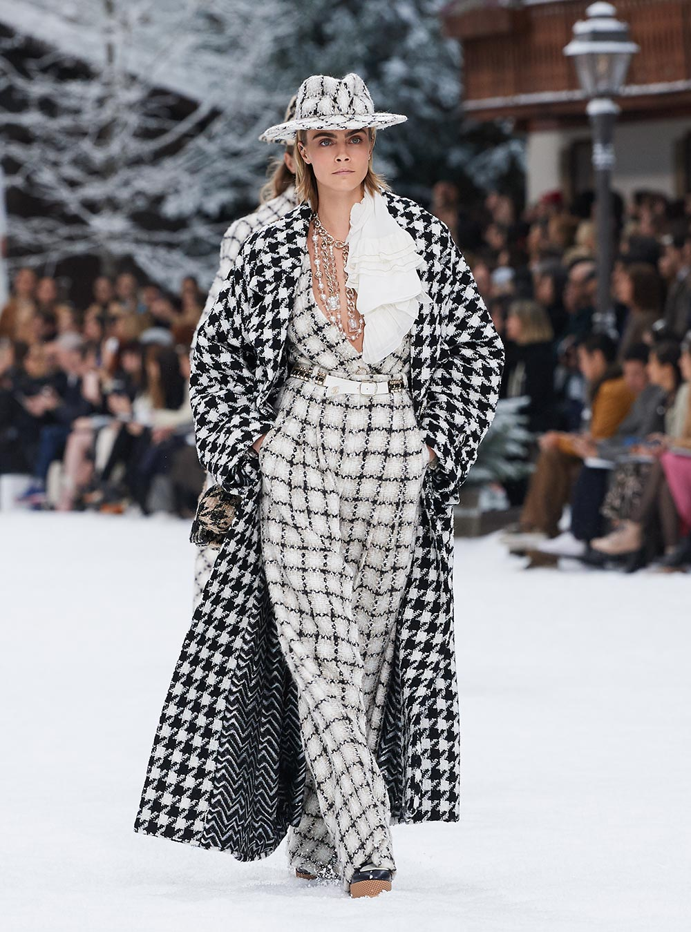 Le défilé Chanel présentant la dernière collection automne-hiver 2019-20.