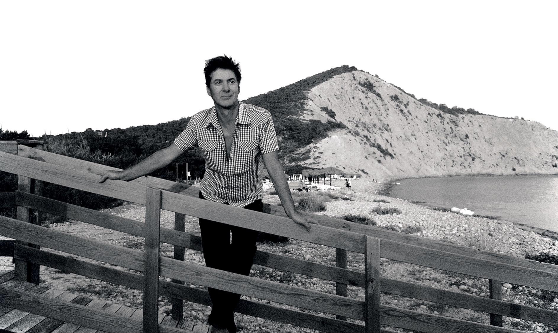 Surf, l'album perdu d'Étienne Daho, sort aujourd'hui