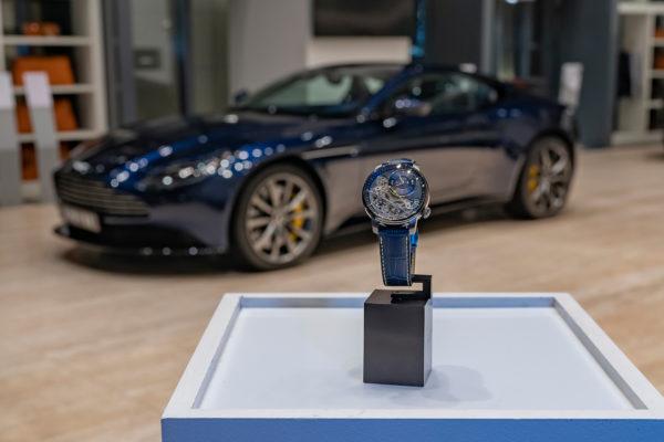 La montre BA111OD Black Ice a inspiré la création de ce modèle unique d'Aston Martin. DR