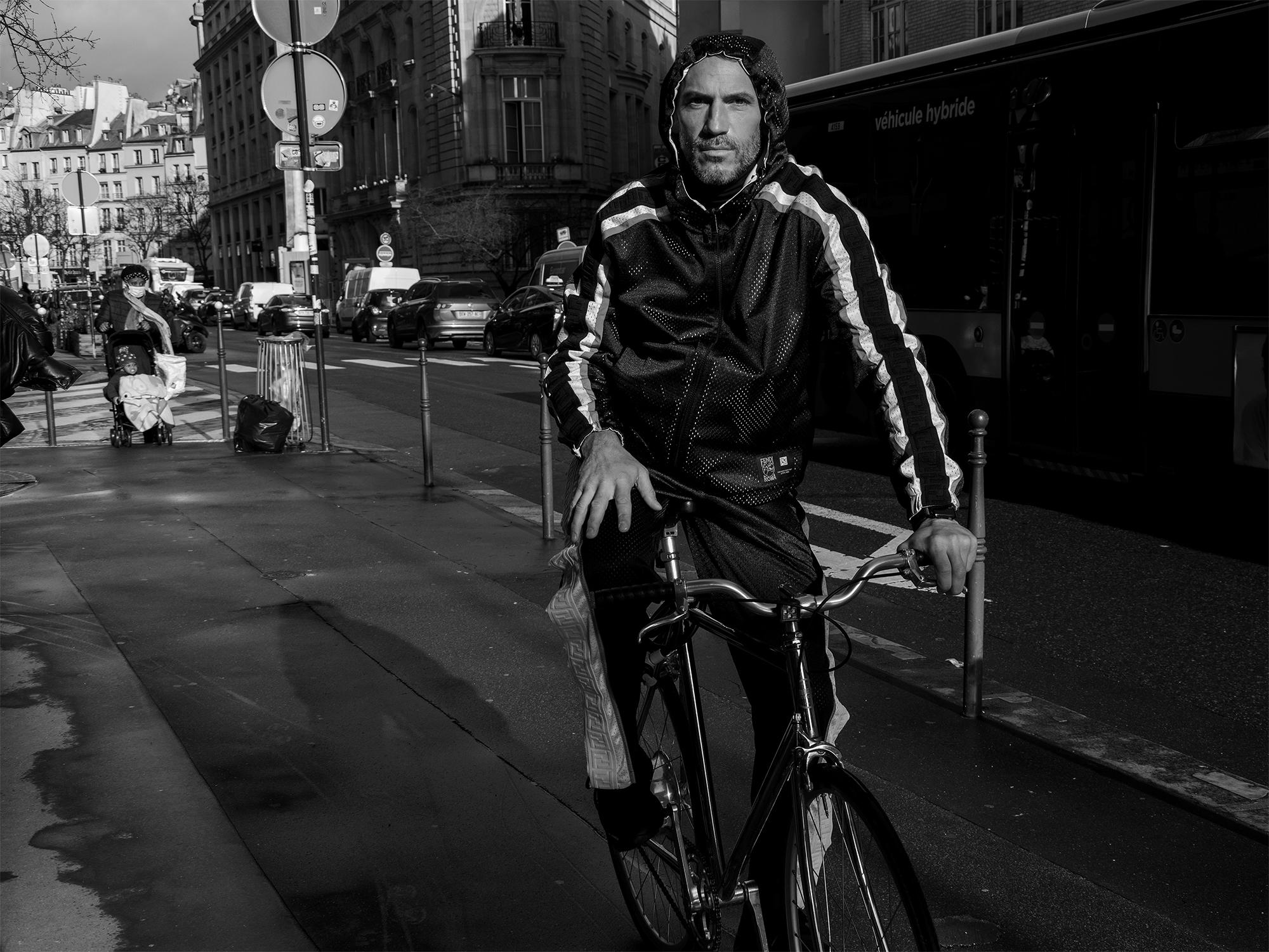 Sébastien Jondeau, survêtement Fendi, sneakers Karl Lagerfeld, ©Buonomo & Cometti