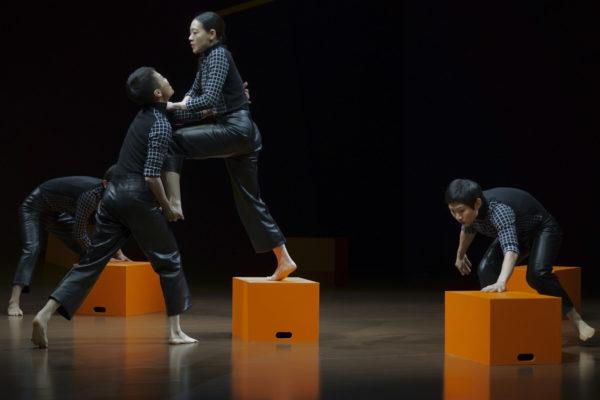 Chorégraphie de Gu Jiani pour Hermès. Collection automne-hiver 2021 ©Hua Dong
