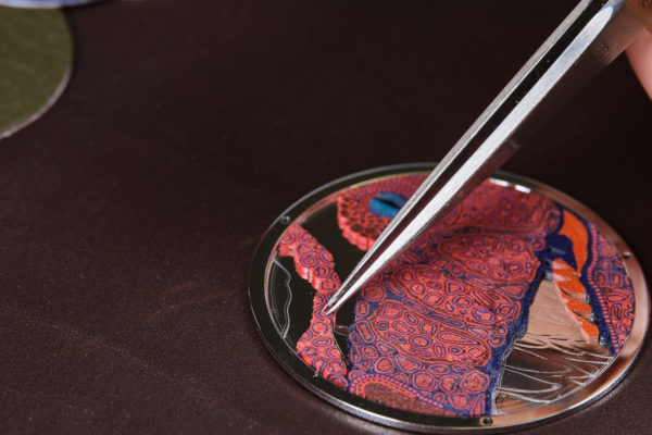Arceau Pocket Aaaaargh! Hermès. Les écailles en micro mosaïque de cuir ®David Marchon
