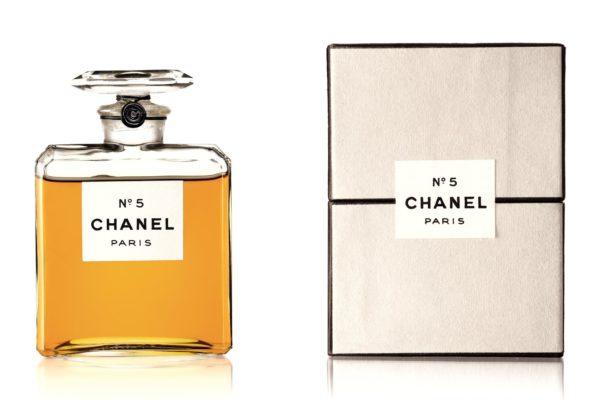 La version de 1924 du parfum Chanel N°5. Patrimoine de Chanel collection, Paris ©Chanel