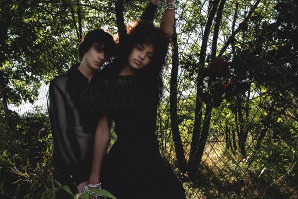 Chemise, robe et bijoux Chanel ©Buonomo & Cometti